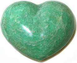 http://www.crystalheartpsychics.com/wp-content/uploads/2016/12/amazonite-crystal-heart.jpg